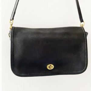 COACH Vintage Black Leather Messenger Bag 0962-225